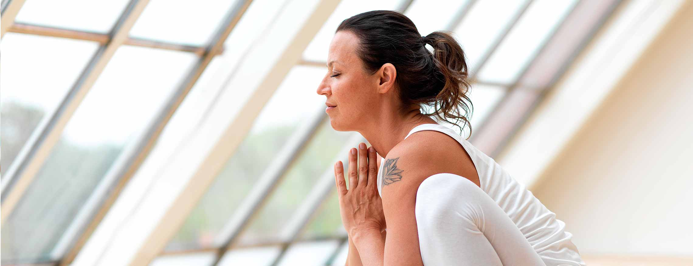 Magdalena Mecweld - Yin yoga - Huksittande